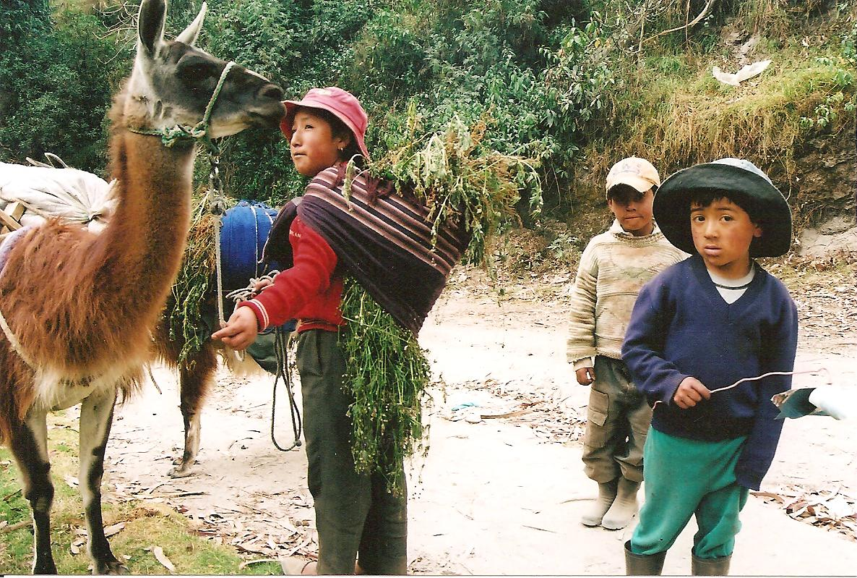 ecuadorian-kids-in-andes-001.jpg